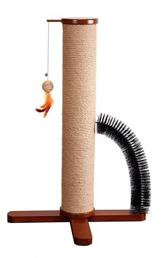 Purfect Scratcher Post- Zoovilla Purfect Scratcher Post really is all that. Combining the function of a scratching post, with a Grooming Loop and feathered toy attached. It really is a trip to the spa each day! Heated Outdoor Cat House, Diy Cat Tower, Cat Playhouse, Cat Scratcher, Cat Room, Cat Condo, Outdoor Cats, Pet Furniture, Diy Stuffed Animals