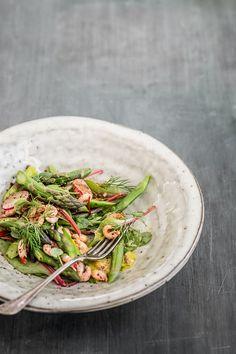 Aspargessalat med fjordrejer og urtemayo