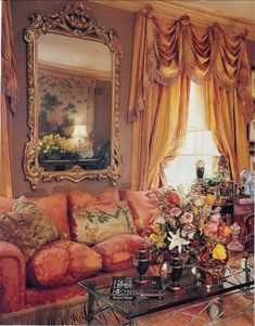"""30 Fabulous Victorian Bohemian Home Decor Ideas - Shabby chic bedding refers to any type of bedding that has a distressed, antique look in order to give a sort of aged, elegant look. The term """"shabby . Beautiful Interiors, Beautiful Homes, Beautiful Things, Living Room Designs, Living Room Decor, Living Rooms, Family Rooms, Home Interior Design, Interior Decorating"""