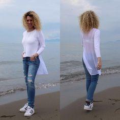 Buongiorno Donne  Ieri al mare ne ho approfittato per fare qualche foto alla nuova collezione ! Questo maglioncino di Kontatto è splendido.. Costa 65€ e c'è anche nero ..è un po corto davanti quindi lo vedo abbinato a qualcosa a vita alta ❤.. PER TUTTE LE INFORMAZIONI SCRIVETEMI  #fashion #fashionable #fashionista #fashionbrand #fashionblogger #moda #model #glamour #glamorous #luxury #outfitoftheday #outfit #ootd #shoponline #whatiworetoday #knitwear #kontatto #kontattomaglieria…