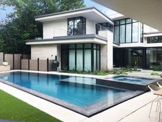 House in Dallas by Classic Modern Design Build  http://www.qlore.com/house-in-dallas-by-classic-modern-design-build/