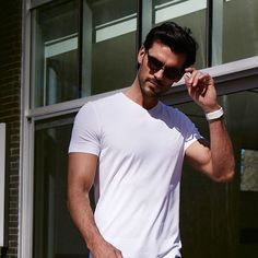 Casual Wednesday / Un mercredi décontracté #SHAN #shanswimwear #resortwear #casual #tshirt #white #trend #fashion #men #summer @jeanfrancoispoirier_