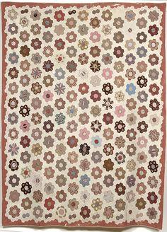 American Pieced Grandmothers Flower Garden Quilt, (2004, Fall Furniture & Decorative Arts / Nov 17-18)
