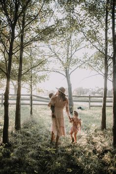 Mom And Baby Photography Discover October Feels with Minnetonka Giveaway Mountain Photography, Sunset Photography, Photography Poses, Backlight Photography, Photography Composition, Photography Aesthetic, Vintage Photography, Wedding Photography, Toddler Photography
