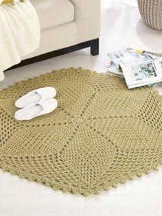 Seasons Rug - Free crochet rug pattern from Spotlight. Carpet Crochet, Crochet Mat, Crochet Rug Patterns, Crochet Cross, Crochet Doilies, Crochet Stitches, Free Crochet, Weaving Projects, Crochet Projects