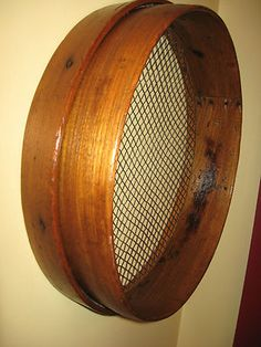 awwwwwesome sifter!! oak bentwood fab color/patina!!! 18.75 in diameter x 5 in deep!! can never have enough of the sifters for decorating!!!!