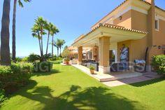 Frontline Golf villa with sea views! Santa Clara Golf
