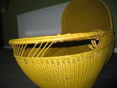 A 105 year old cradle, painted yellow in the 70's. I have repaired it and then some else will paint it in white. Eeen 105 jaar oude wieg, geel geverfd in de 70's. Ik ga hem repareren en iemand anders spuit hem weer wit
