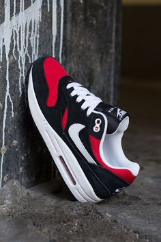 The Nike Air Max 1 is headed for sneaker shops in this black and red colorway, come August. The kicks will be available in GS … Nike Free 3.0, Nike Free Runs, Nike Free Shoes, Air Max 1, Nike Air Max, Jordan 1, Air Max Sneakers, Sneakers Nike, Sneakers Women