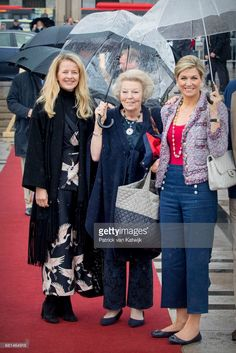 """Princess Mabel of Orange-Nassau, Princess Beatrix of the Netherlands and Queen Maxima of the Netherlands attend a lunch on the Norwegian Royal yatch """"Norge""""to celebrate the birthdays of King. Dutch Royalty, English Royalty, Under My Umbrella, Three Daughters, Estilo Fashion, Queen Maxima, Royal Fashion, King Queen, Netherlands"""