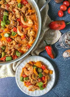 This low carb cajun stir fry dinner is full of flavorful ingredients like chicken, shrimp and sausage. You can make this one pan dinner in under 30 minutes and there is just net carbs per serving! Slow Cooker Recipes, Beef Recipes, Soup Recipes, Jambalaya Soup, Healthy Sesame Chicken, Skillet Dinners, Chicken Flavors, Stir Fry, Seafood Recipes