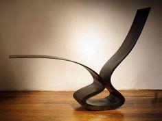 (re)découvrez l'étendue du travail de Ron ARAD avec son site internet officiel > http://www.ronarad.co.uk/