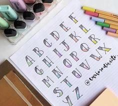 Diy Bullet Journal, Bullet Journal Writing, Bullet Journal Ideas Pages, Bullet Journal Inspiration, Hand Lettering Alphabet, Doodle Lettering, Creative Lettering, Lettering Tutorial, Journal Fonts