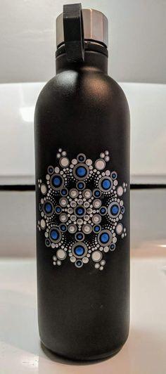 Pin by bonnie albrite on dot art Dot Art Painting, Pebble Painting, Pottery Painting, Stone Painting, Mandala Drawing, Mandala Painting, Mandala Art, Painted Mugs, Painted Rocks