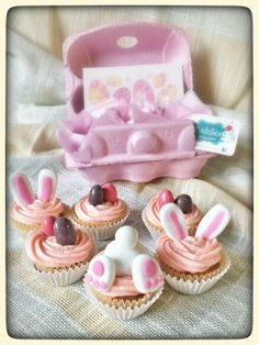 Easter minicupcakes