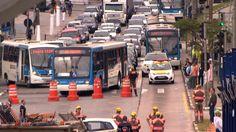 Erros de Logistica -- G1 - Supercarreta que bateu na Zona Sul só deve ser removida no final da noite - notícias em São Paulo
