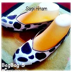 Use satin fabric with rubber sole, robust and non-slip, size 36 to 43. Invite Pin BB 2A778AF6