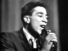 """THE MIRACLES / OOH BABY BABY (1965) -- Check out the """"Motown Forever!!"""" YouTube Playlist --> http://www.youtube.com/playlist?list=PL018932660665C45A #motown"""
