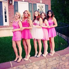 Ahhhhhh this is my cousin Nicole with her sorority family! She's gorgeous and so are her sisters!