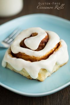 THE BEST 1 Hour Gluten-Free Cinnamon Rolls - You'd never know these are gluten free! Did you check this mouthwatering gluten free dessert simply for every one . Gluten Free Sweets, Gluten Free Cooking, Dairy Free Recipes, Healthy Recipes, Healthy Meals, Easy Recipes, Vegetarian Recipes, Cake Feta, Gluten Free Cinnamon Rolls