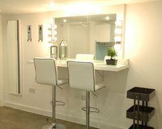 makeup station for photo studio - - Yahoo Image Search Results Makeup Bar, Makeup Salon, Hair Makeup, Home Hair Salons, Home Salon, Beauty Room Decor, Beauty Salon Decor, Sala Glam, Makeup Studio Decor