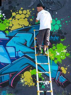 Graffiti artist in Bushwick - Neighborhood Colors - Nalata Nalata