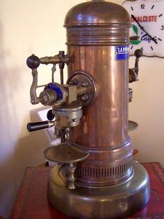 Example of an early espresso machine. Luigi Bezzera, Inventor of the Espresso Machine. Machine Expresso, Best Espresso Machine, Cappuccino Machine, Espresso Maker, Espresso Coffee, Retro Cafe, Coffee Cafe, Coffee Shop, Coffee Lovers