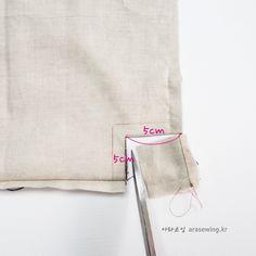 Best 12 ikat bag: Make A Bag Chapter Darted Tote Diy Bags Tutorial, Clutch Tutorial, Tote Bag Tutorials, Sewing Tutorials, Diy Tote Bag, Bag Patterns To Sew, Tote Pattern, Wallet Pattern, Sewing Patterns