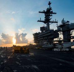 Porta-aviões USS Carl Vinson no mar do Sul da China, 8 de abril de 2017