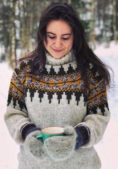 Ravelry: Norsk Skoggenser pattern by Linka Karoline Neumann Nordic Pullover, Pullover Mode, Nordic Sweater, Mohair Sweater, Turtleneck, Icelandic Sweaters, Cozy Sweaters, Sweaters For Women, Sweater Fashion