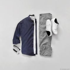 Men's Work Fashion That Will Turn Heads Teen Boy Fashion, Mens Fashion Blog, Fashion Wear, Work Fashion, Fashion Trends, Denim Jeans Men, Fashion Essentials, Mens Clothing Styles, Menswear