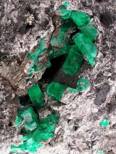 C.I. GEMTEC S.A.S, emeralds in their natural state