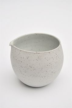Grey speckled jug by Sue Paraskeva, via Fen and Ned