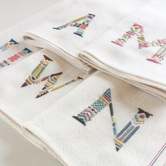 大切なお友達へのお礼にとオーダーいただきました それぞれの印象のヒントになる言葉や色を伺って制作します #embroidery #handembroidery #ordermade #刺繍
