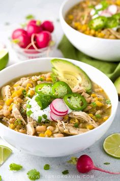 White Bean Chicken Chili White bean chicken chili simmered in a crockpot with whole roasted jalapenos, tender beans, corn, and lean chicken breast. A healthy recipe pack with flavor and spice. Potluck Recipes, Healthy Crockpot Recipes, Chili Recipes, Slow Cooker Recipes, Cooking Recipes, Healthy Dishes, Meal Recipes, Muffin Recipes, Cooking Tips