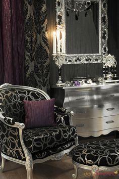 Resultados de la Búsqueda de imágenes de Google de http://www.elhogar.de/photos/0027/8626/13580_decoracion-vintage-en-tonos-plateados-negros-y-morados.jpg