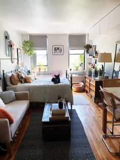 Studio Apartment Living, Tiny Studio Apartments, Small Apartment Interior, Studio Apartment Decorating, Studio Living, Apartment Layout, Apartment Therapy, Studio Apartment Furniture, Studio Apartment Design