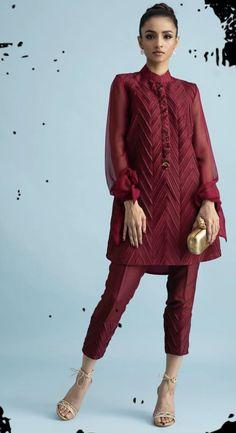 Pakistani Fashion Casual, Pakistani Dresses Casual, Pakistani Wedding Dresses, Pakistani Dress Design, Indian Fashion, Casual Dresses, Pakistani Clothing, Wedding Hijab, Fashion Dresses