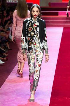 Модный Милан 2018: показы, коллекции, тенденции и тренды одежды