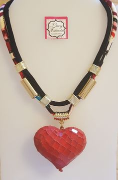 #Collar #corazón #rojo #bisuteria #bisuteriafina #necklace #fashion #fashionjewerly #accesorios #accsexclusivos #accsLucyEstrada