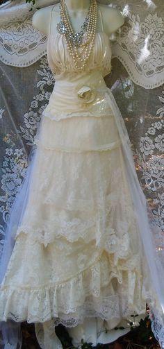 He encontrado este interesante anuncio de Etsy en https://www.etsy.com/es/listing/197395780/ivory-mermaid-dress-wedding-beaded