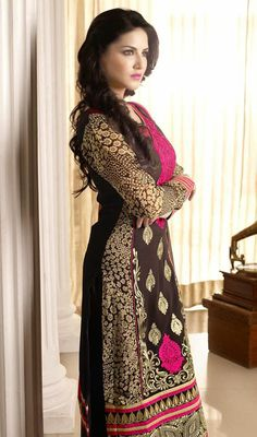 Sunny Leone Heavy Embroidery Georgette Long Churidar Suit Shine like a star as Sunny Leone wearing this heavy embroidery black georgette long churidar suit. The brilliant dress creates a dramatic canvas with fantastic butta, lace and resham work. Churidar, Black Salwar Kameez, Anarkali, Indian Actress Photos, Beautiful Indian Actress, Indian Dresses, Indian Outfits, Bollywood Celebrities, Bollywood Actress