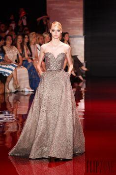Elie Saab Otoño-Invierno 2013-2014 - Alta Costura - http://es.flip-zone.com/fashion/couture-1/fashion-houses/elie-saab-3997 - ©PixelFormula