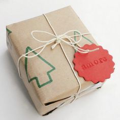 11 DIY Last Minute Christmas Gift Wrapping Ideas | Shelterness