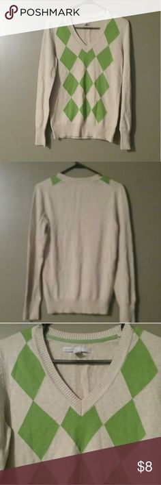 Women's Old Navy Sweater New without tags. Size M Old Navy Sweaters V-Necks