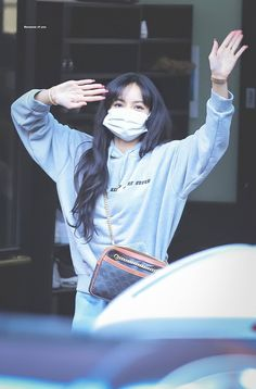 Jennie Blackpink, Blackpink Lisa, Yg Entertainment, South Korean Girls, Korean Girl Groups, Rapper, Lisa Blackpink Wallpaper, Blackpink Memes, Kim Jisoo