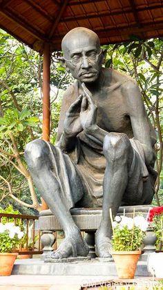 Gandhi Statue, New Delhi, Adventure Tours, adventure trips, adrenaline rush… New Delhi, Delhi India, Adventure Tours, Adventure Travel, Rajasthan Inde, Nova Deli, Golden Triangle India, Budget Holidays, India Tour