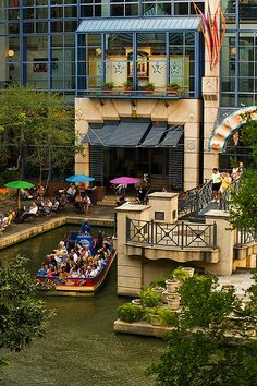 The Rivercenter Mall in San Antonio, Texas is built right on the River Walk or Paseo del Rio as it is known in San Antonio. Texas Vacations, Vacation Places, Vacation Spots, Places To Travel, The Places Youll Go, Great Places, Beautiful Places, Places To Visit, Texas Travel