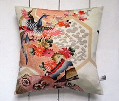 Multicoloured Vintage Kimono Fabric Pillow 'Phoenix 2' par LynnWatt