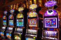 """Slot Machines on board of Royal Caribbean Cruise Ship """"MS Independence of the Seas""""  photo by ragingwire @ flickr"""